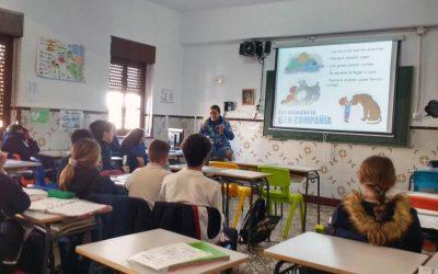 """Los alumnos del Colegio Ntra. Sra. de las Mercedes asisten a las charlas sobre """"Tenencia Responsable de Animales"""" organizadas por el ICOV de Sevilla"""